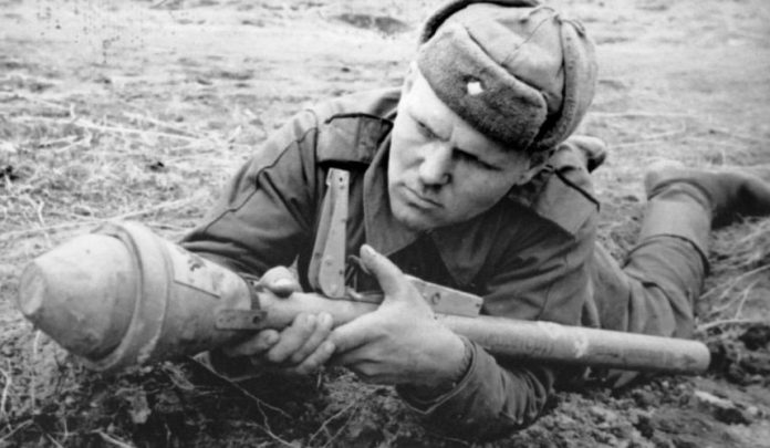 The German Panzerfaust was surprised by the red army