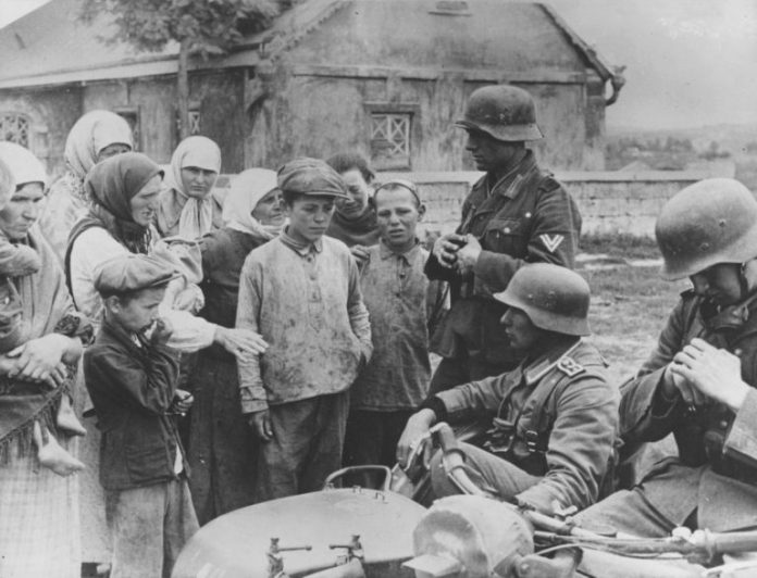 Whom the Germans were supplied with food in the occupied territory of the USSR