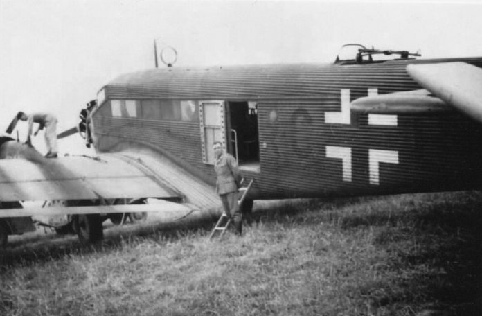 Why 15 may 1941, arrived in Moscow unknown German pilot