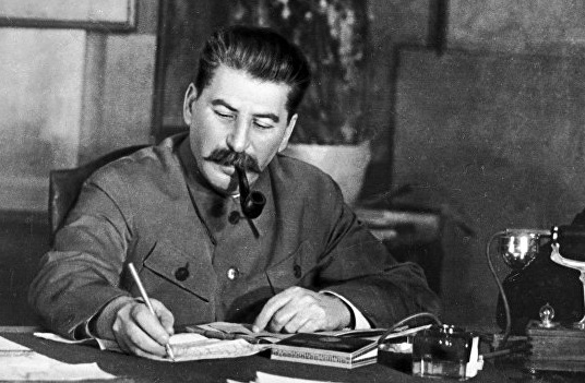 Why Stalin did not believe the survey about the date of Hitler's attack