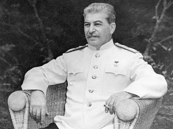 Why Stalin never wore the uniform of a Generalissimo