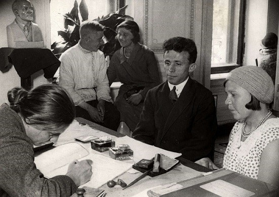 Why the Bolsheviks banned engagement rings