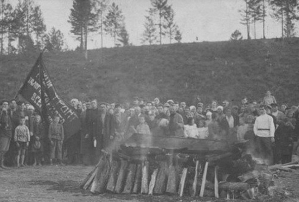 Why the Bolsheviks wanted to replace the funeral with a cremation