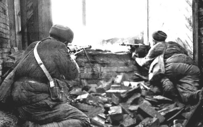 Why the red army in the assault threw grenades without pulling the pin