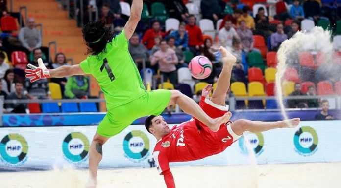 """Beach soccer. """"The locomotive"""" and """"Spartak"""" started from victories at the club world Cup"""