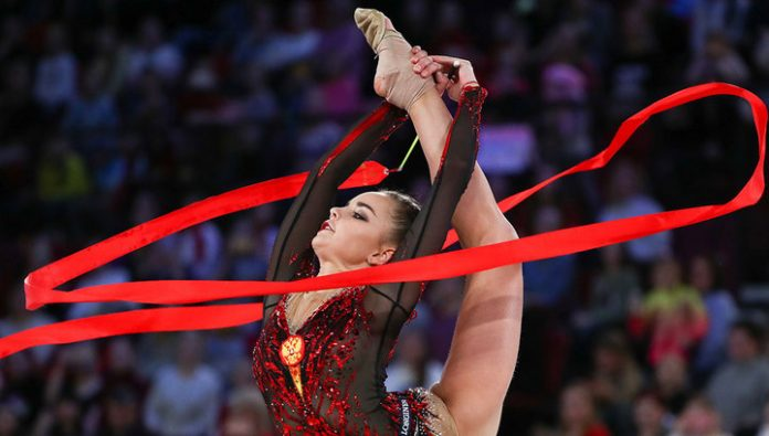 Dina Averina won the exercise with ribbon at the Moscow Grand Prix