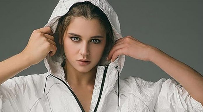 Gymnast Soldatova in a state of moderate severity. Visitors