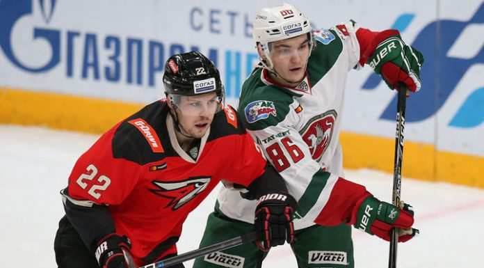"""Hockey players of """"Avangard"""" beat """"AK bars"""" in the shootout"""