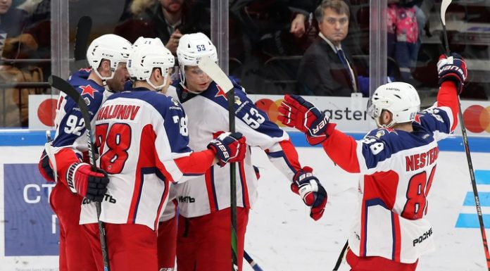 """Hockey players of CSKA scored four unanswered goals in the gate """"Locomotive"""""""