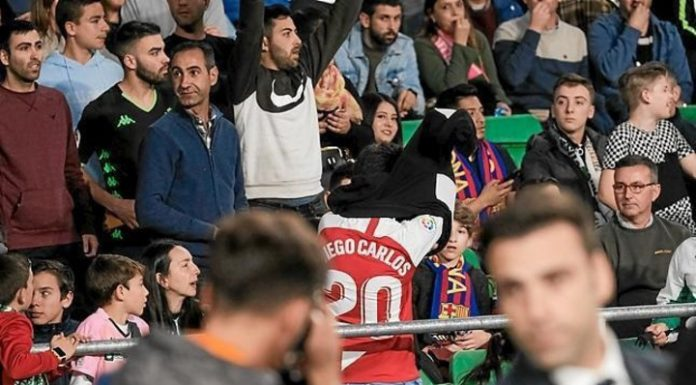 In Spain child was expelled from a football match because the shirts of the opponent. Video