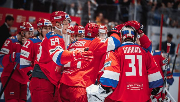 Russian hockey players conceded three unanswered goals in the first period