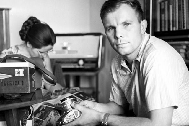 What prize was awarded to Gagarin for space flight