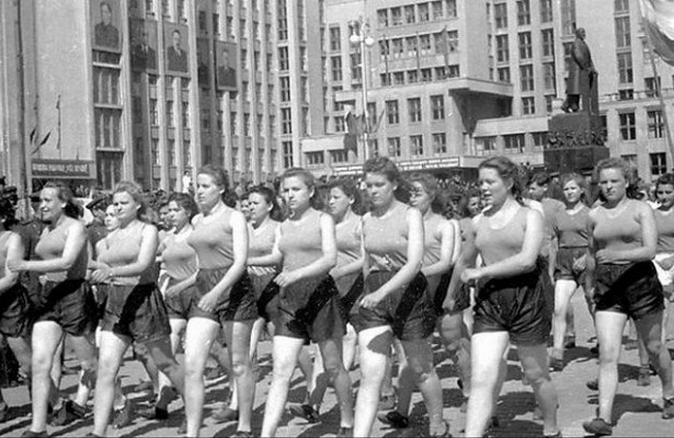 Why Soviet women went to the family shorts