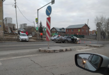 "Two cars collided in the Kirov region — ""Nissan"" completely crushed the right side"