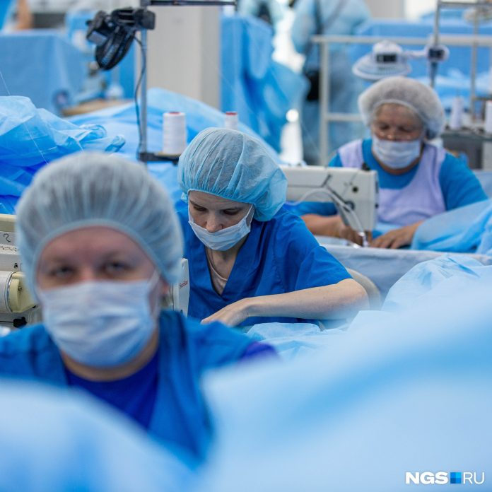 As the 93 seamstresses working day and night to save the doctors from being infected. Look at these people