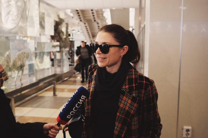 Dozens of people came to Domodedovo to meet the world-famous ballet troupe