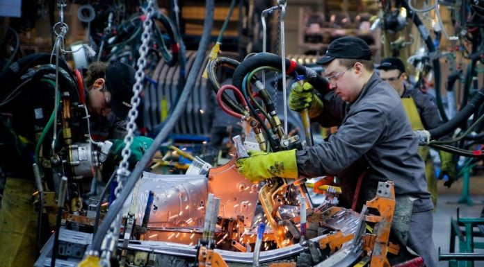 """""""The crisis will be long"""": the employees of the auto companies are lining up for dismissal"""