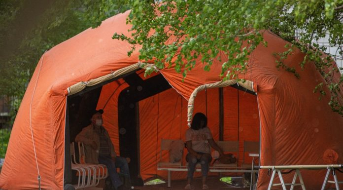 The health Ministry explained the overcrowding in the tents near the hospital № 11 independent appeals