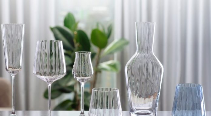 The residents of Novosibirsk will get the fancy glasses from the Italian brand for almost nothing