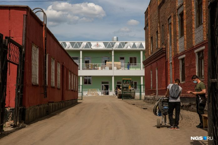 A military hospital was built three weeks ago, is not taking Novosibirsk from coronavirus