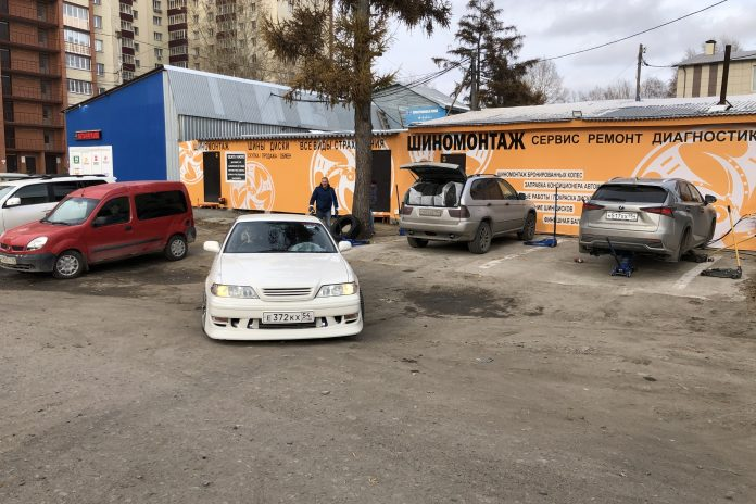 For taxi drivers repair only 75 rubles: tire service launched an indefinite campaign to support the running of Novosibirsk