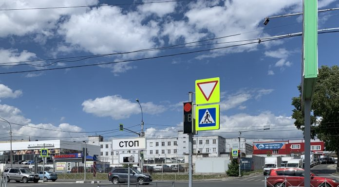 In Novosibirsk there was a new place where avtopodstavy sounding conventional drivers. Watch the video
