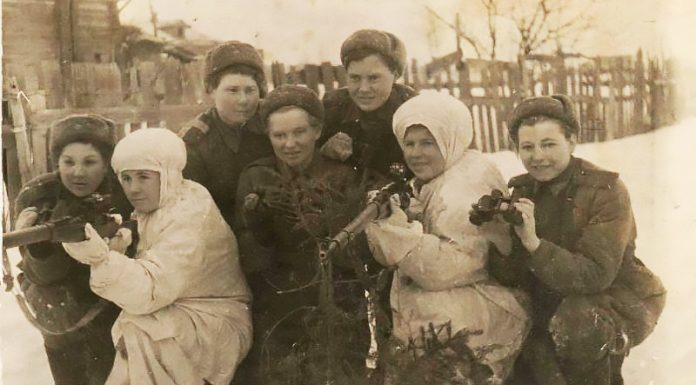 """""""Mom the night grew old, died when brother"""": memories of 18-year-old sharpshooter has become the Bane of the Nazis"""