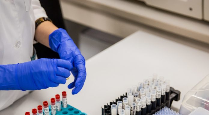 Russian vaccine against coronavirus introduced the first volunteers