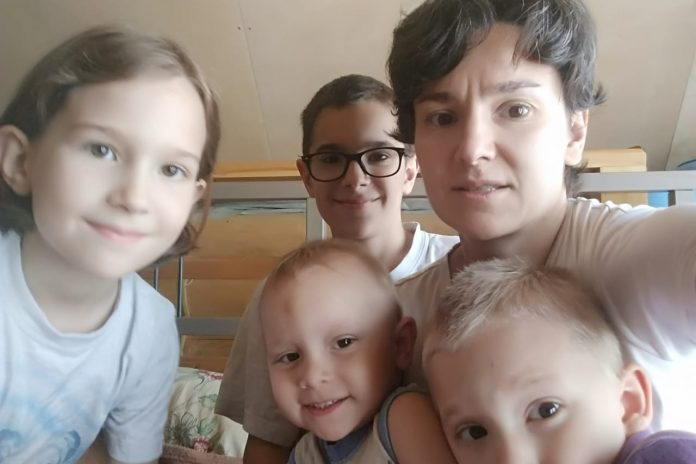 SK started the investigation after the publication of the NHS about a large family, whose house was disconnected from electricity