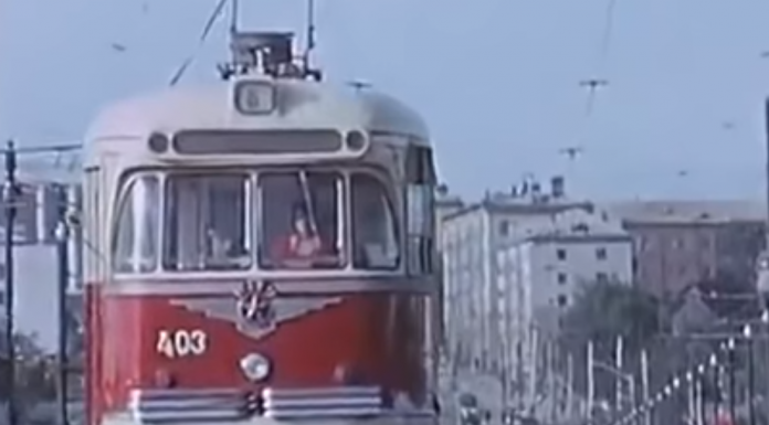 Unknown color video of Novosibirsk, 1966 — look at people, cars and streets