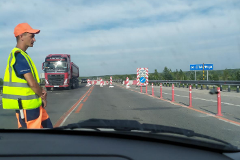 """""""Will run until Oct"""": Novosibirsk stood in a huge traffic jam on Northern detour because of road repair"""