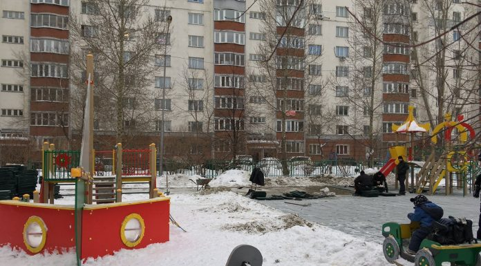 """""""A sail is necessary"""": in Novosibirsk in the cold decided to put a Playground — residents recorded a video"""