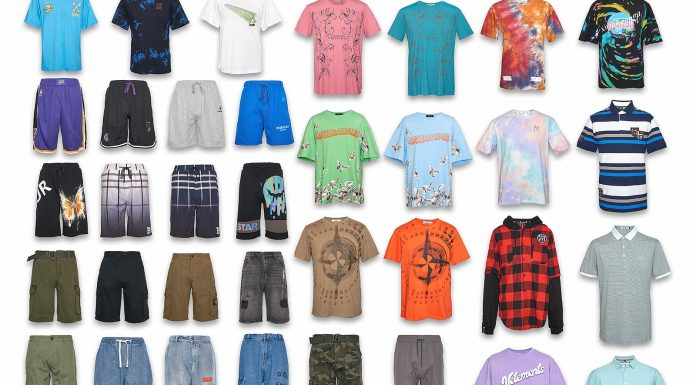 Lightweight slate, shorts, printed men's t-shirt: a store in the city centre brought clothes for a beach holiday