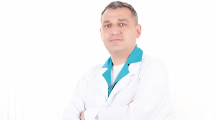 Not found the optimal method of implantation: an experienced dental implantologist will offer at least two solutions