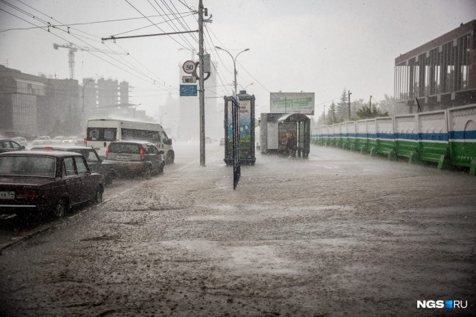 Sometimes hail: the weatherman told about dramatically changed the weather in Novosibirsk