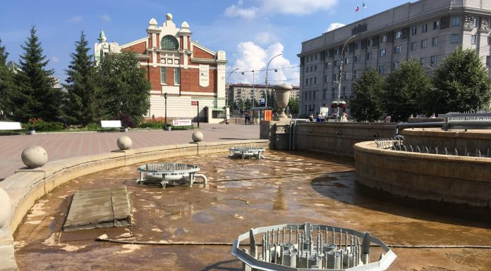 """""""To prevent vandalism"""" from Novosibirsk fountains are flushed on the day of Ivan Kupala"""