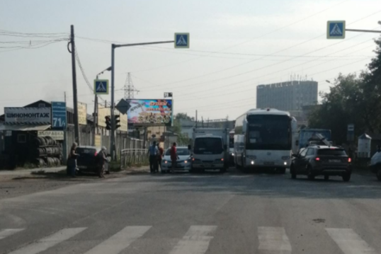 """""""You are not in the cottages?"""": 10 angry messages from the drivers in a remote traffic jam on Bohdan Khmelnytsky"""