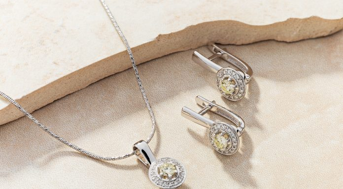 """Gold fever: the famous TC """"Granite"""" made a drawing of the gorgeous jewelry set"""
