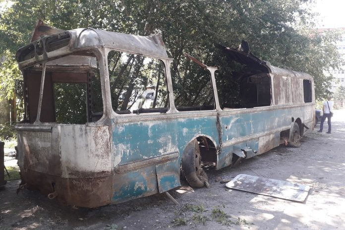 In Akademgorodok began to saw vintage trolley — he stood on the street for dozens of years
