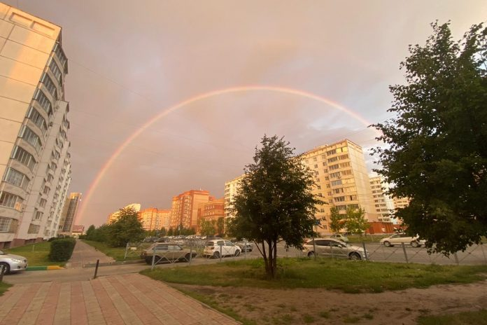 In Novosibirsk early in the morning came the delicious double rainbow