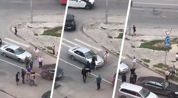 In Novosibirsk two drivers staged a fight on the road — one of them pulled out a gun
