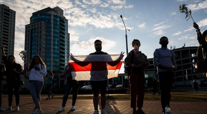 The first quiet night after the elections in Belarus are continuing mass protests