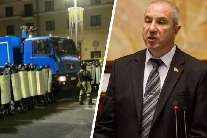The head of the Belarus Ministry of internal Affairs apologized to beaten at protests